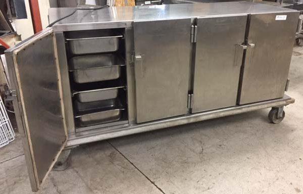 Armoire chauffante 5 5 pi 4 portes sur roues usag for Equipement restaurant usage